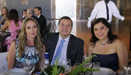 Maru Muñiz, Javier Vallejo y Moshi Compean.