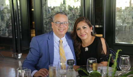 Luis Miguel Sánchez y Roxana Salazar.