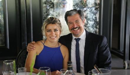 Iliana Castillo y Carlos Salinas.