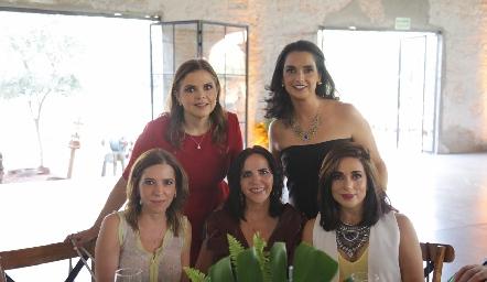 Daniela Calderón Cecilia Ponce, Claudia Martínez, Maricel Gutiérrez y Gaby Martínez.