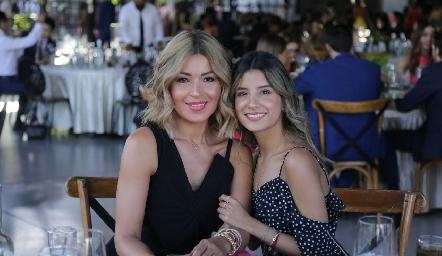 Lucy Gámez y Paulina Jasso.
