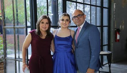 Beatriz Martínez, Ana Beatriz y Rafael Martínez.