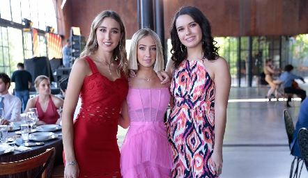Sofía Vallejo, Miris Gómez y Natalia Hampshire.