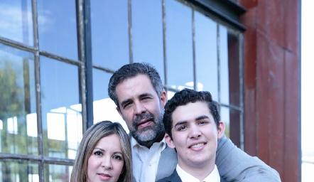 Liliana, Fernando y Mauricio Abaroa.