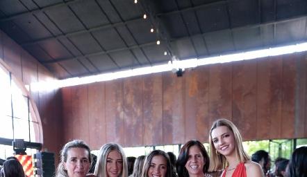 Lucía Martínez, Miris Gómez, Valeria Navarro, Claudia Nava y Francesca Hinojosa.