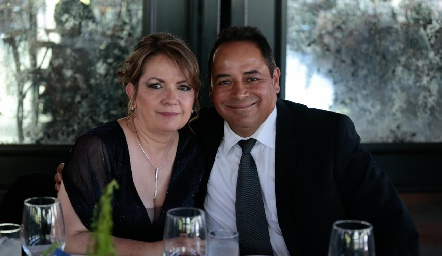 María Elena y Héctor Gloria.