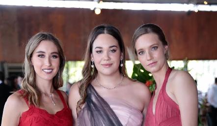 Sofía Vallejo, Mishelle Compean y Marie Luz Ladner.