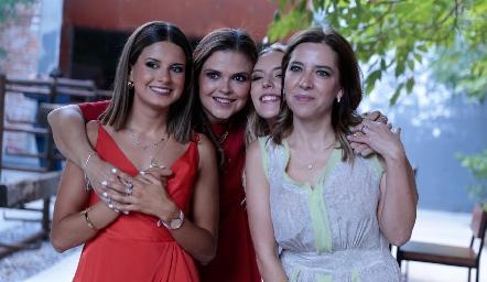Vale Ramos, Ceci Ponce, Emilia García y Daniela Calderón.