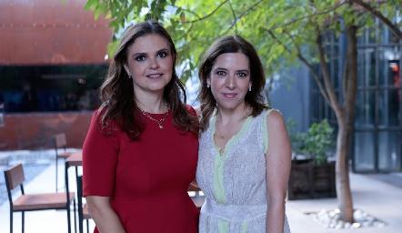 Cecilia Ponce y Daniela Calderón.