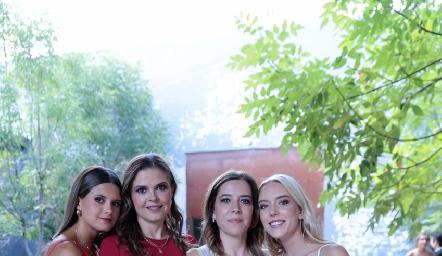 Valeria Ramos, Cecilia Ponce, Daniela Calderón y Emilia García.