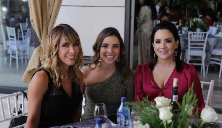 Tita Aranda, Cecilia Valle y Cecilia Anaya.