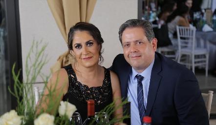Claudia Márquez y Manuel Vega.