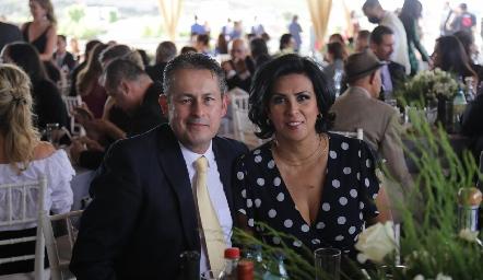 Luis Alfredo Torres y Mirna Tagle.