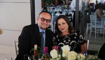 Alejandro Ruiz y Lupita Reyna.