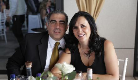 Genaro Garza y Laura Galarza.