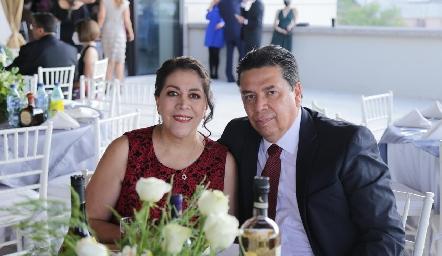 Claudia Picazo y Armando Gloria.