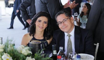 Leticia Ivón y Alfonso Castillo.