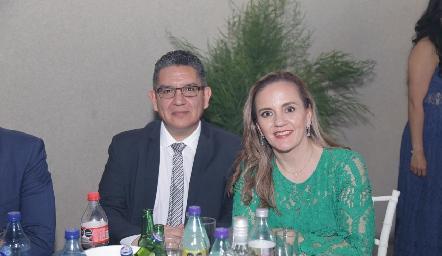 Saul Martínez y María Elena León.