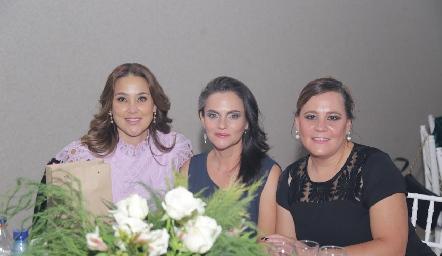 Adriana Chávez, Jackie Williams y Liz Muñoz.