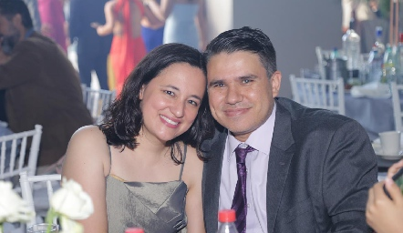 Miriam Carbajal y Jaime Camil.