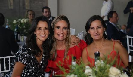 Mónica Galarza, Cinthya Valle y Sandra Morelos.