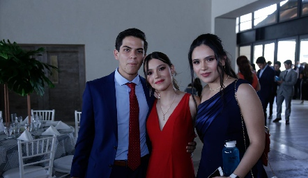 José Eduardo Villalobos, Tania Velázquez y Sara.
