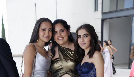 Ana Elisa González, Romina Autrique y Anyul Zapata.