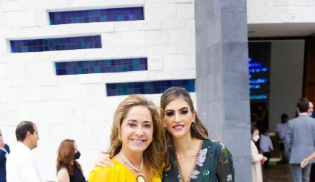 Paty Gaviño con su hija Paty Gómez.
