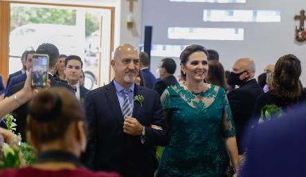 Armando Cosío y Gaby Gómez.