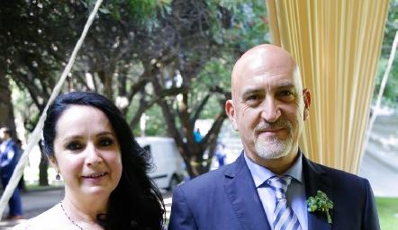 Lourdes Díaz y Armando Cosío, papás del novio.