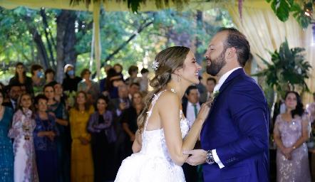 Paola Torre y Armando Cosío.