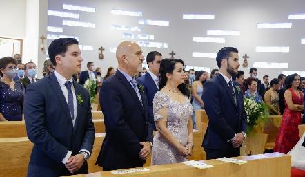 Familia Cosío Díaz, papás y hermanos del novio.