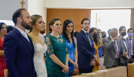 Familia Torre Gómez, mamá y hermanos de la novia.