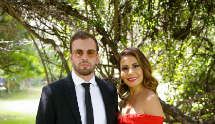 Emanuel Medellín y Paulina Ramos.
