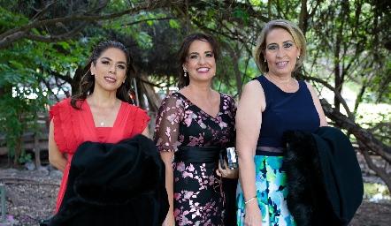 Bertha Morales, Maricarmen Cambeses y Emma de Juárez.