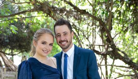 Laura Chapa y Roberto Ortiz.