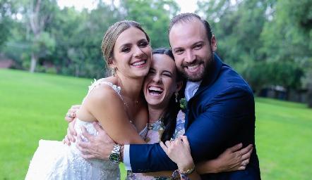Paola Torre, Ceci García y Armando Cosío.