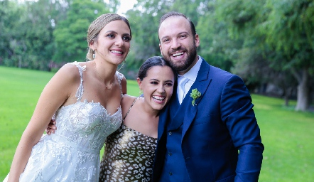 Paola Torre, Montse García y Armando Cosío.