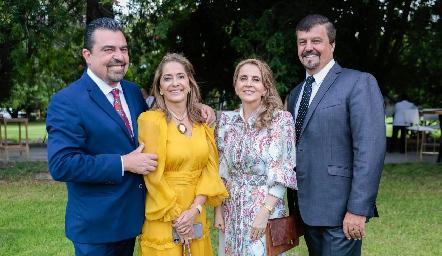 Javier Gómez, Patricia Gaviño, Ana Isabel Gaviño y Héctor Gómez.