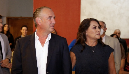 Jesús Aguirre y Raquel Altamirano de Aguirre, papás de Pau.