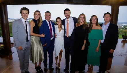 Familia Lozano del Bosque, Gastón, Paulet, Roberto, Paulina, Roberto, Patricia y Danitza Lozano con Daniel Zollino.