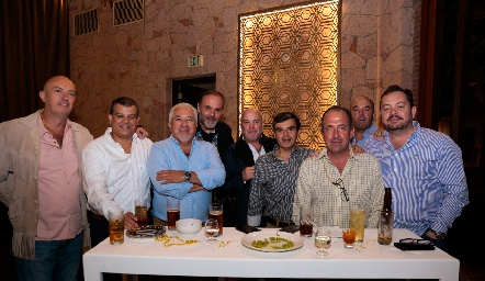 Francisco Artolózaga, Arturo Estrada, Guillermo Báez, Gunnar Mebius, Guillermo Pizzuto, Poncho Ortiz, Boro Quijano, Toño Lozano y Ramón Meade.