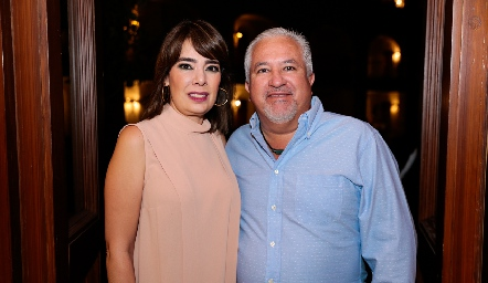 Beatriz Canseco y Guillermo Báez.