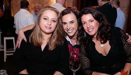Güera Gutiérrez, Ylenia Rodríguez y Cristina Puga.