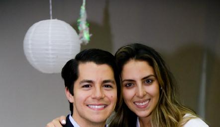 Arturo Hernández y Regina Oliva serán esposos.