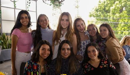 María Ortega, Marisol González, María Orozco, Ximena Zamanillo, Paty Silvia, Fer Orozco, Pau Villalobos, Alexa Mata y Vini Padrón.