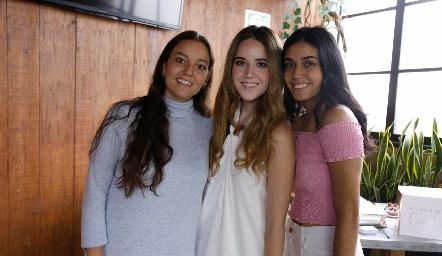 Marisol González, María Orozco y María Ortega.