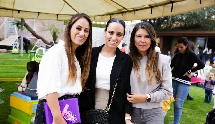 Gloria, Natalia y Marifer Leal.