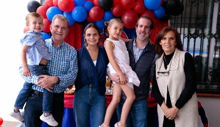 Diego, Gerardo García, Miriam García, Carlota, Herbert Trampe y Patricia Garza.