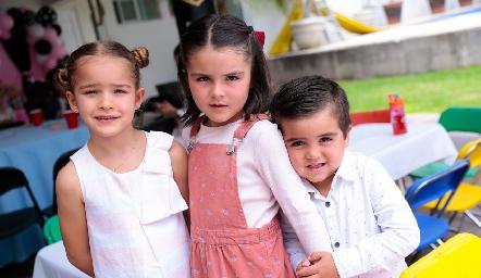Carlota, Paula y José Manuel.